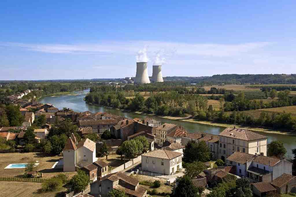 Quels sont les risques associés au travail dans une centrale nucléaire?