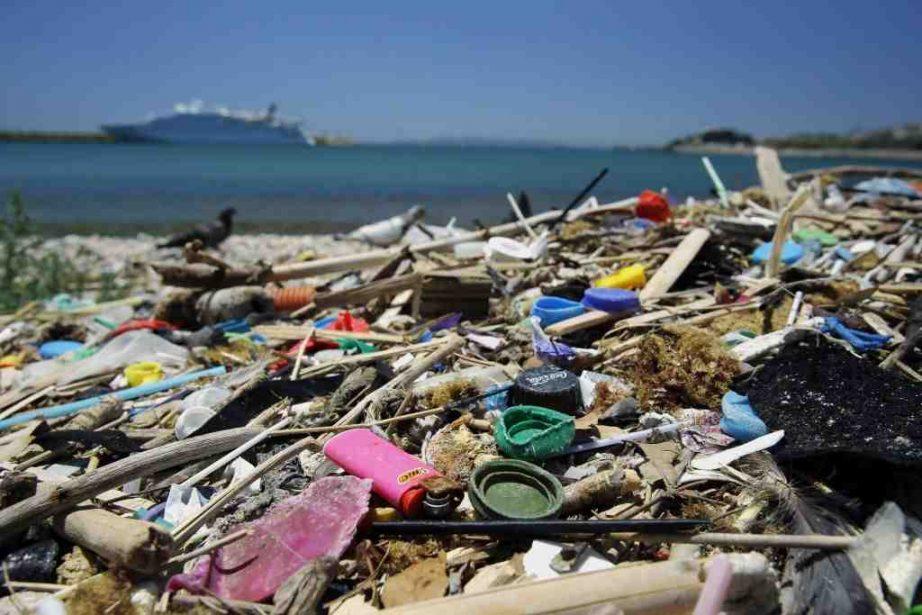 Pourquoi la terre est polluée ?